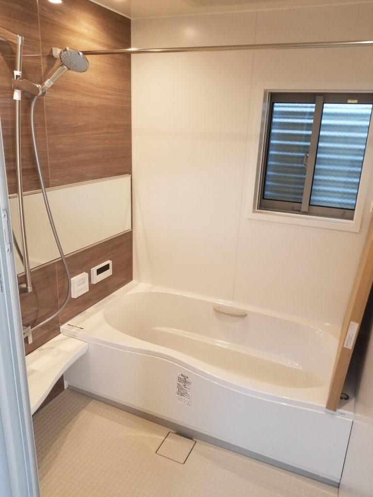 浴室乾燥・追い炊き機能付き浴室。