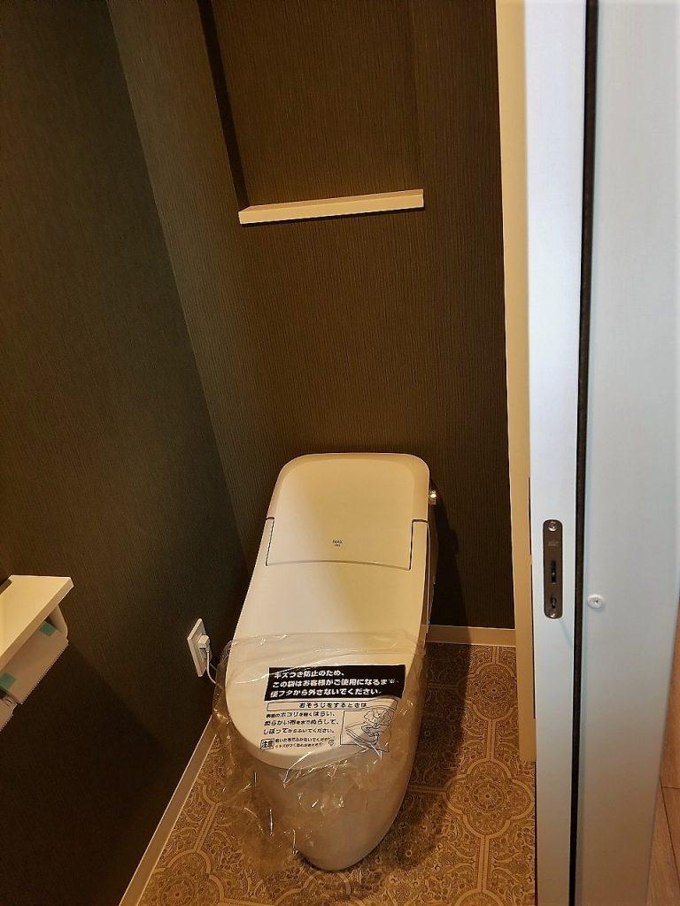 タンクレス全自動トイレは使いやすくお掃除も簡単です♪