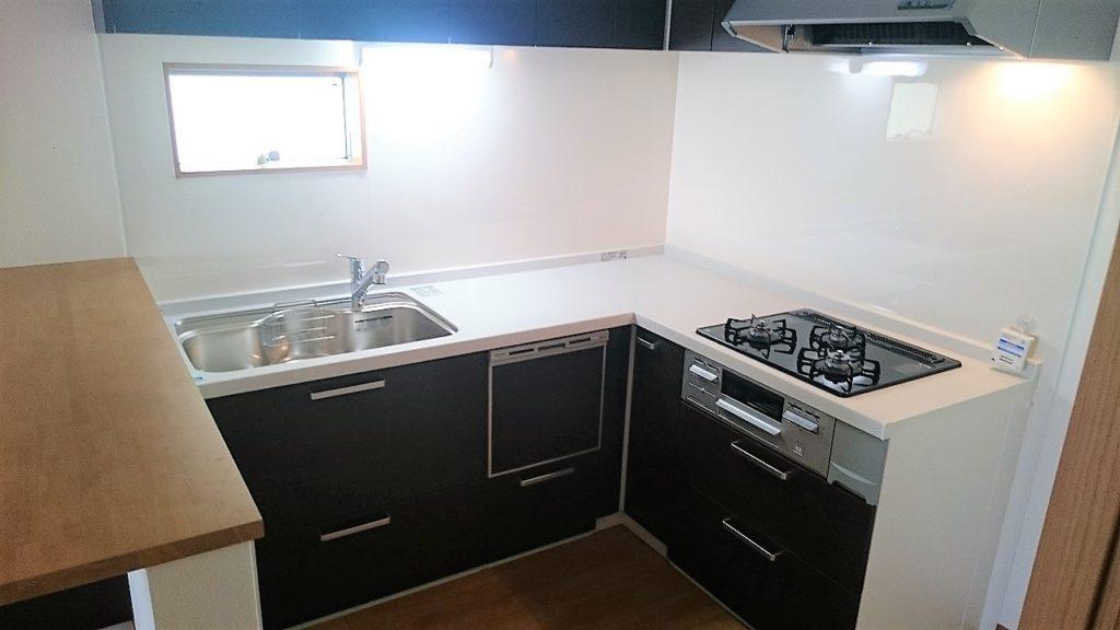 L字型キッチンは動線もコンパクトで、料理も楽しくなりますね!