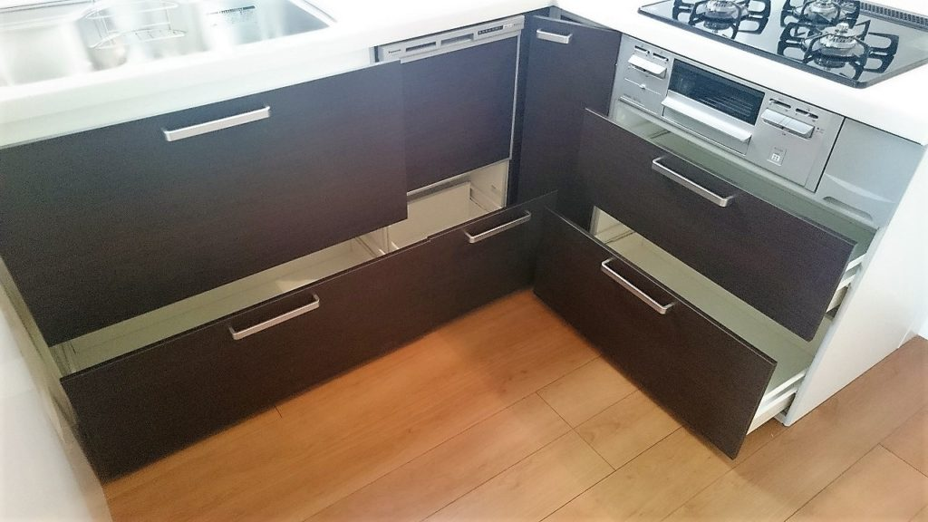 ビルトイン全自動食器洗い乾燥機も完備!