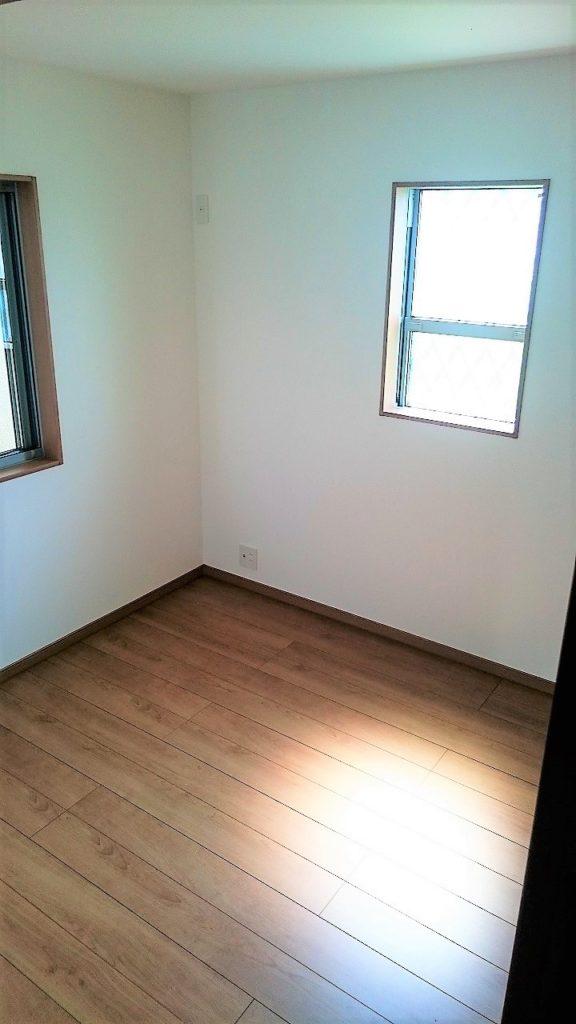 各部屋、陽当りもよくとても明るいです。