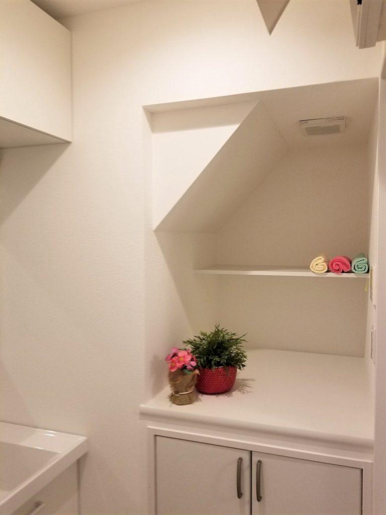 洗面室兼脱衣所、収納もあります!