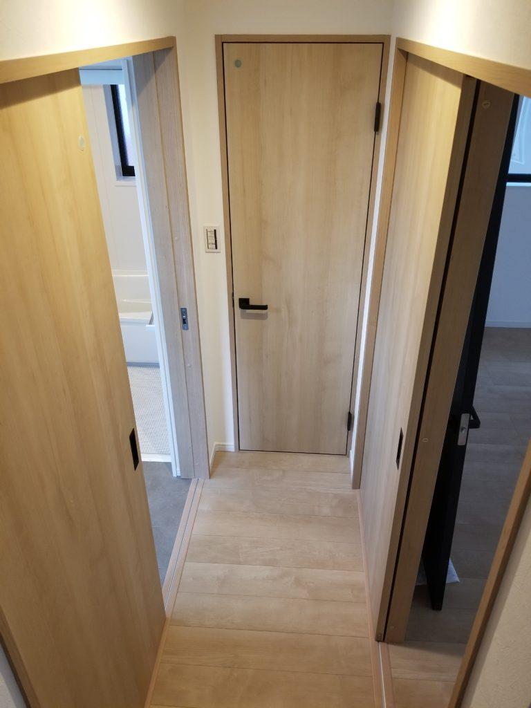 廊下・ドア